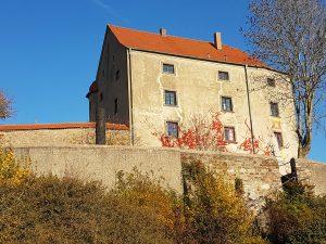 Fassade und Burgmauer Schloss Spielberg